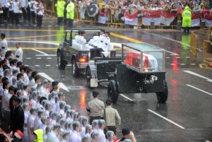 coffin-carrying-lee-kuan-yew-passes